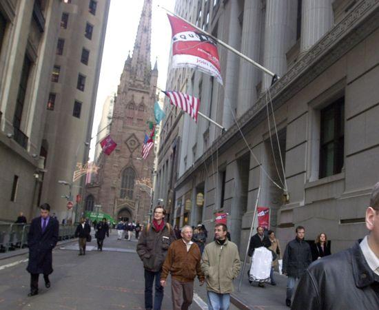 WALL STREET - A principal rua do maior centro financeiro dos Estados Unidos. A sudeste de Manhatan, NY.