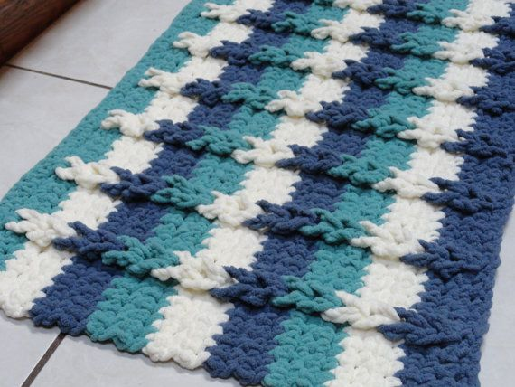 This colorful and cozy bath mat is a great beginner project. The only stiches used are chain, slip stitch and single crochet. The…