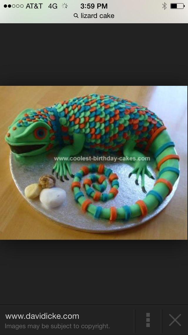Lizard iguana cake