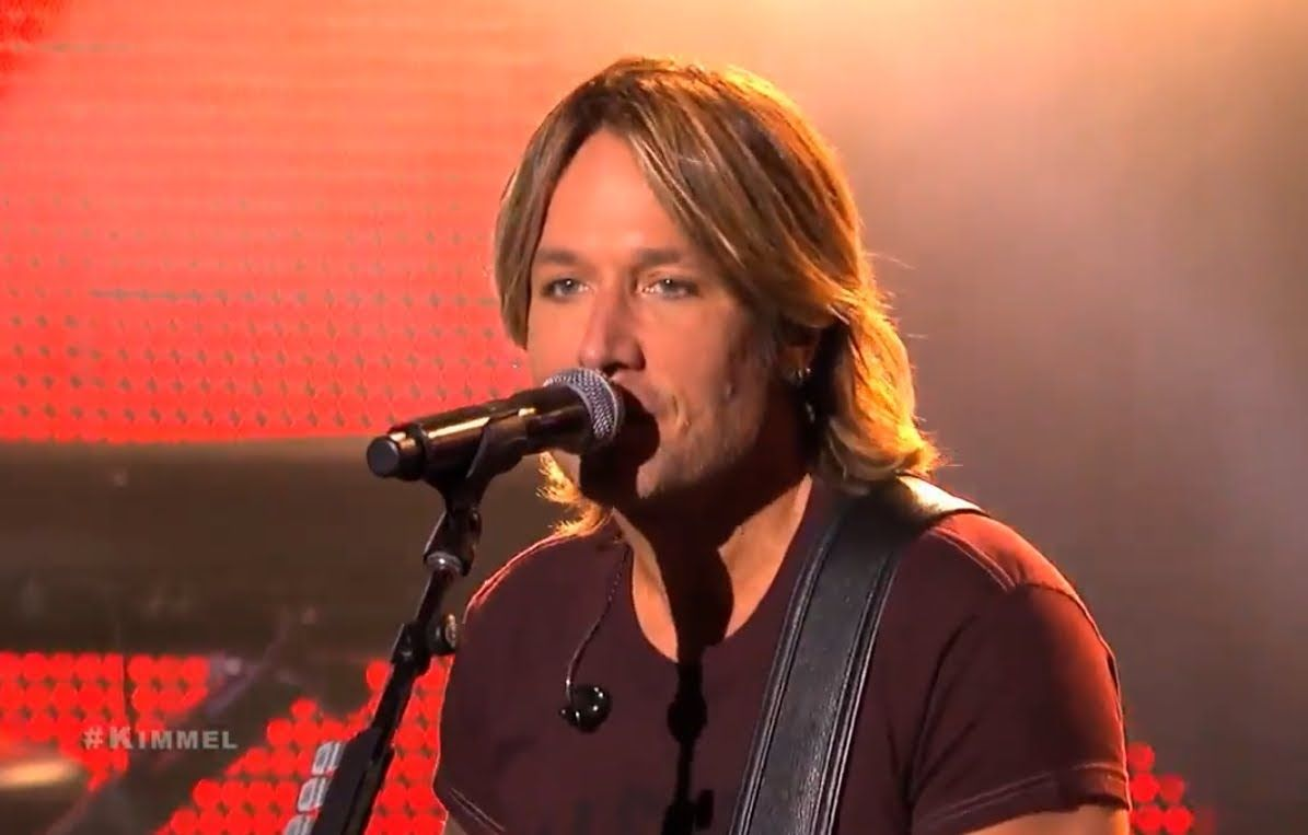 "Keith Urban Performs ""Good Thing"" (+playlist)"