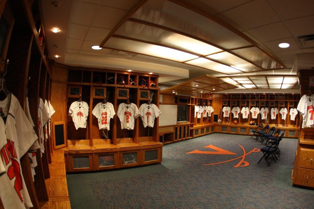 A Look Inside The University Of Virginia S Men S Lacrosse Locker Room Doesn T Look Too Bad Mens Lacrosse University Of Virginia Lacrosse