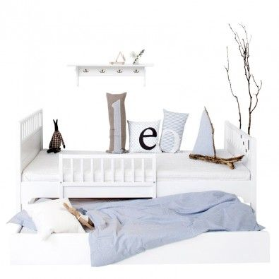 ausklappbares Bett, weiß