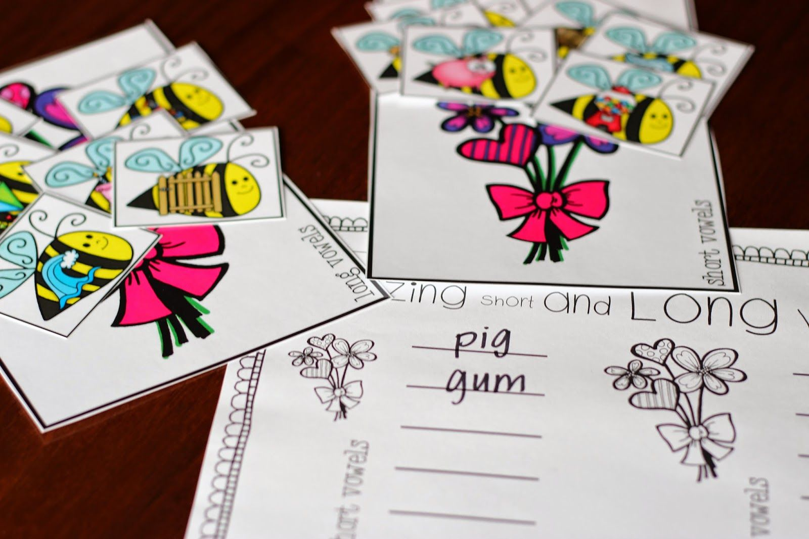 Buzzing Short And Long Vowels Students Will Sort The Bee