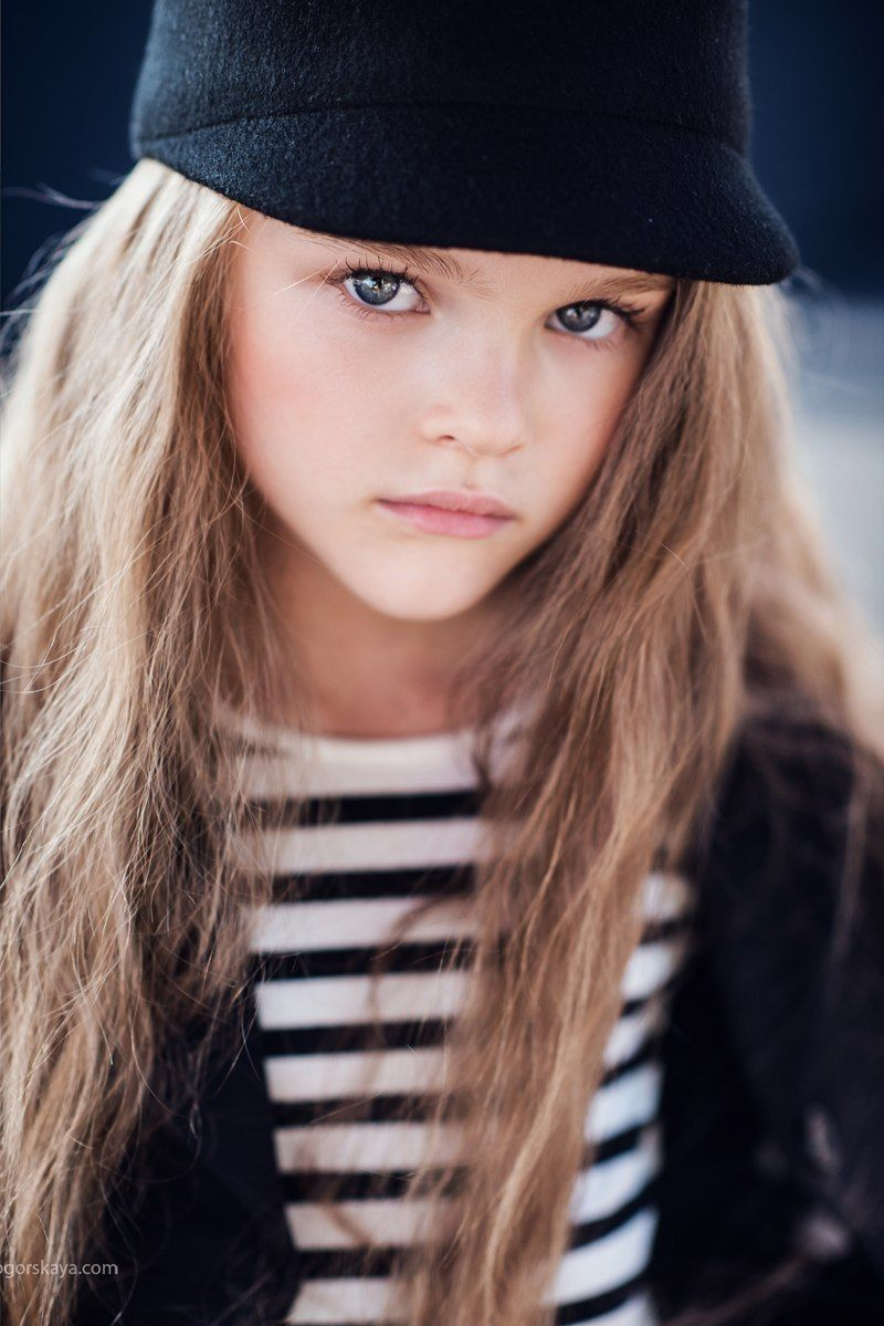 Really Pretty Makeup: Really Pretty Young Teenager With Handsome Blue Eyes