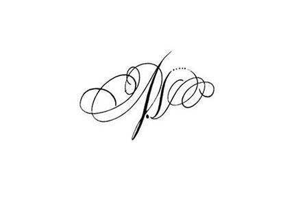 Calligraphie Tatouage Lettres Entrelacees Tatouage Calligraphie
