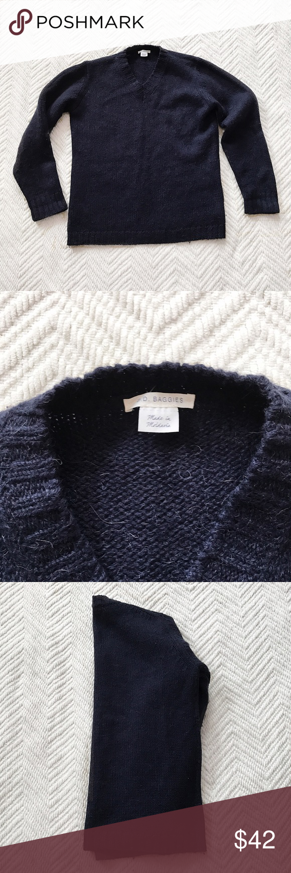 BD Baggies | Navy V-Neck Sweater BD Baggies navy v neck sweater. Warm weight that is perfect for winter in size large. In used but good condition. Offers are welcome and don't forget to bundle for 20% off, Happy Poshing! BD Baggies Sweaters V-Neck