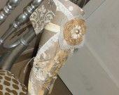 cône de papier style vintage dentelle et fleur de crochet anciennes
