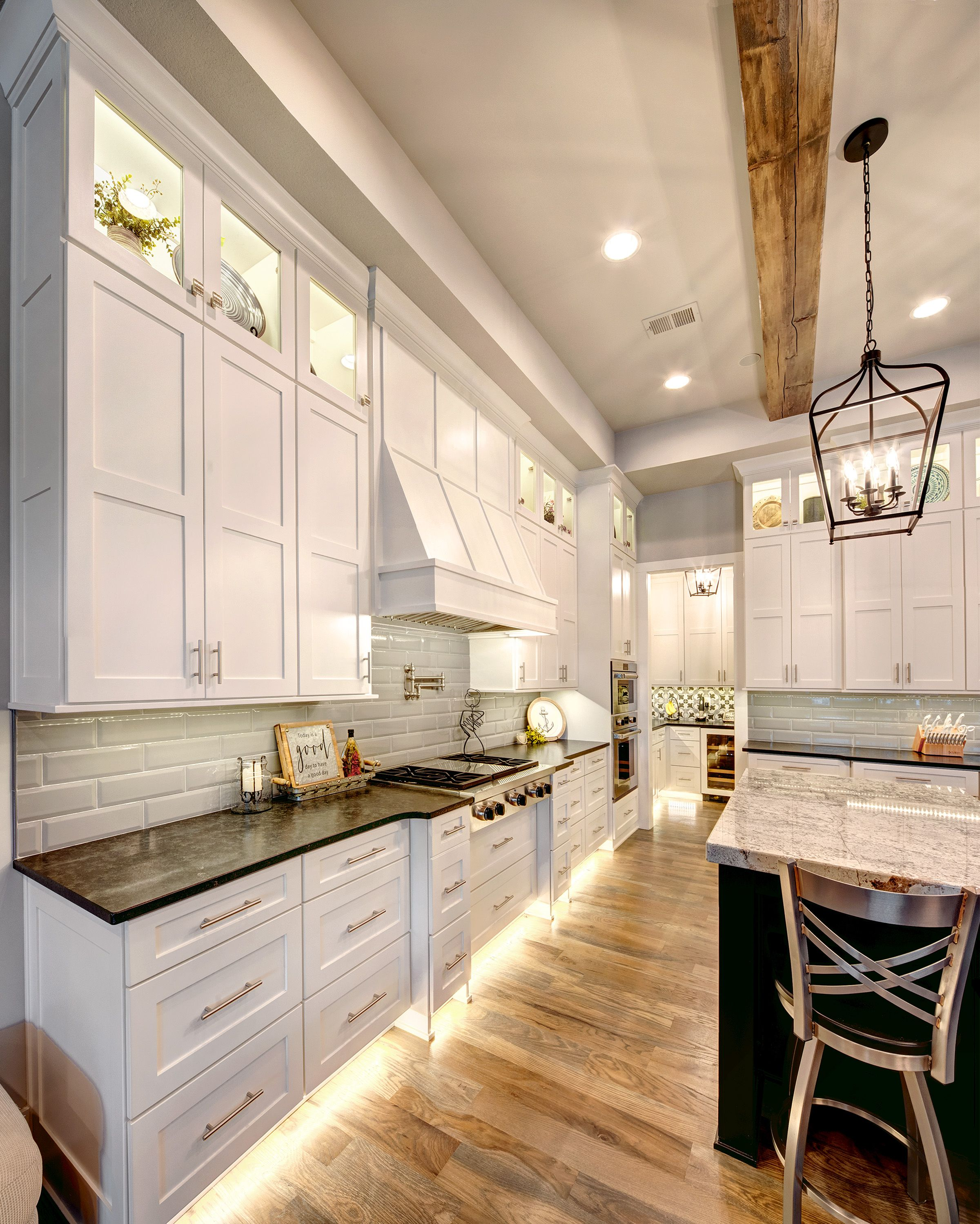 Best Kitchen With Under Cabinet Lighting Bright White Kitchen 640 x 480