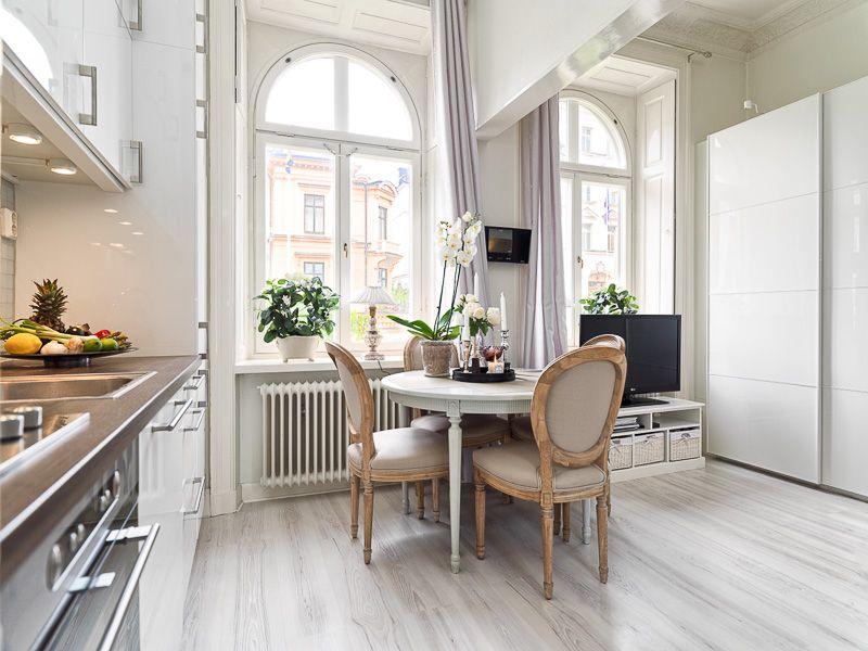 Small studio apartment with loft bed Dining Pinterest Estudios
