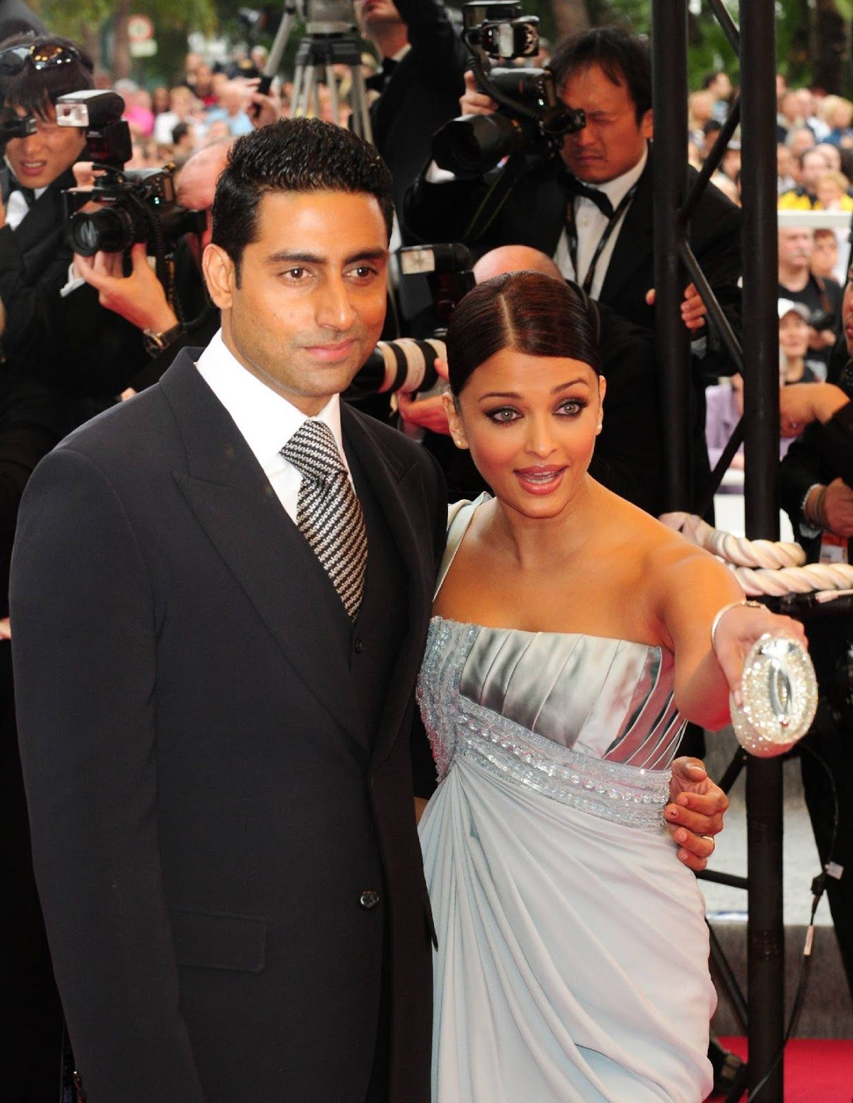 Aishwarya Cannes 2009 Premiere Spring Fever