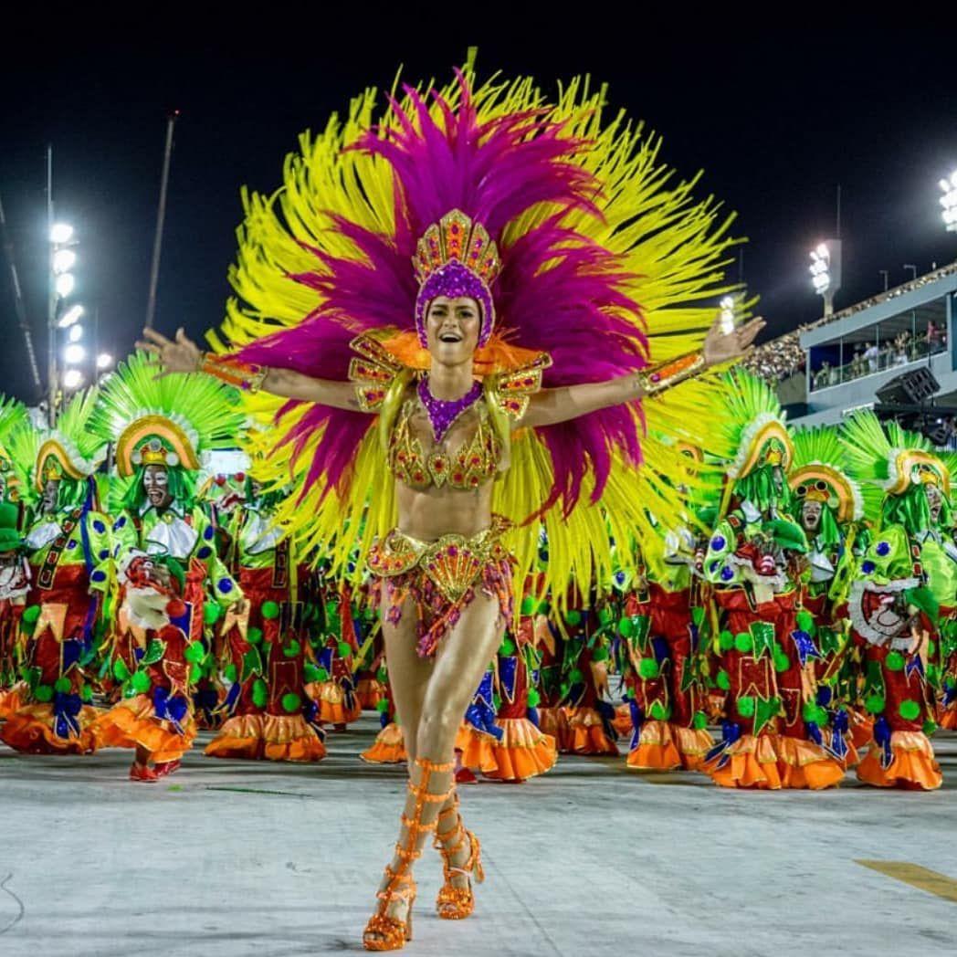 Destinodelasemana Sin Lugar A Dudas El Evento Más Famoso Del Año Es El Carnaval De Río De Janeiro Uno De Los Espectáculos Más G Places To Visit Rio Carnival