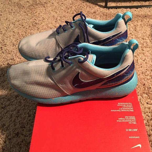 4b8c22ecd89c Nike roshe one print Nike roshe gray and blue with lightning brand new Nike  Shoes Athletic Shoes