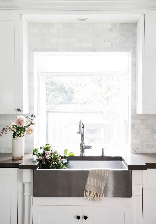 A Clean, Coastal Home in Costa Mesa, CA | Rue | Kitchen Remodel ...