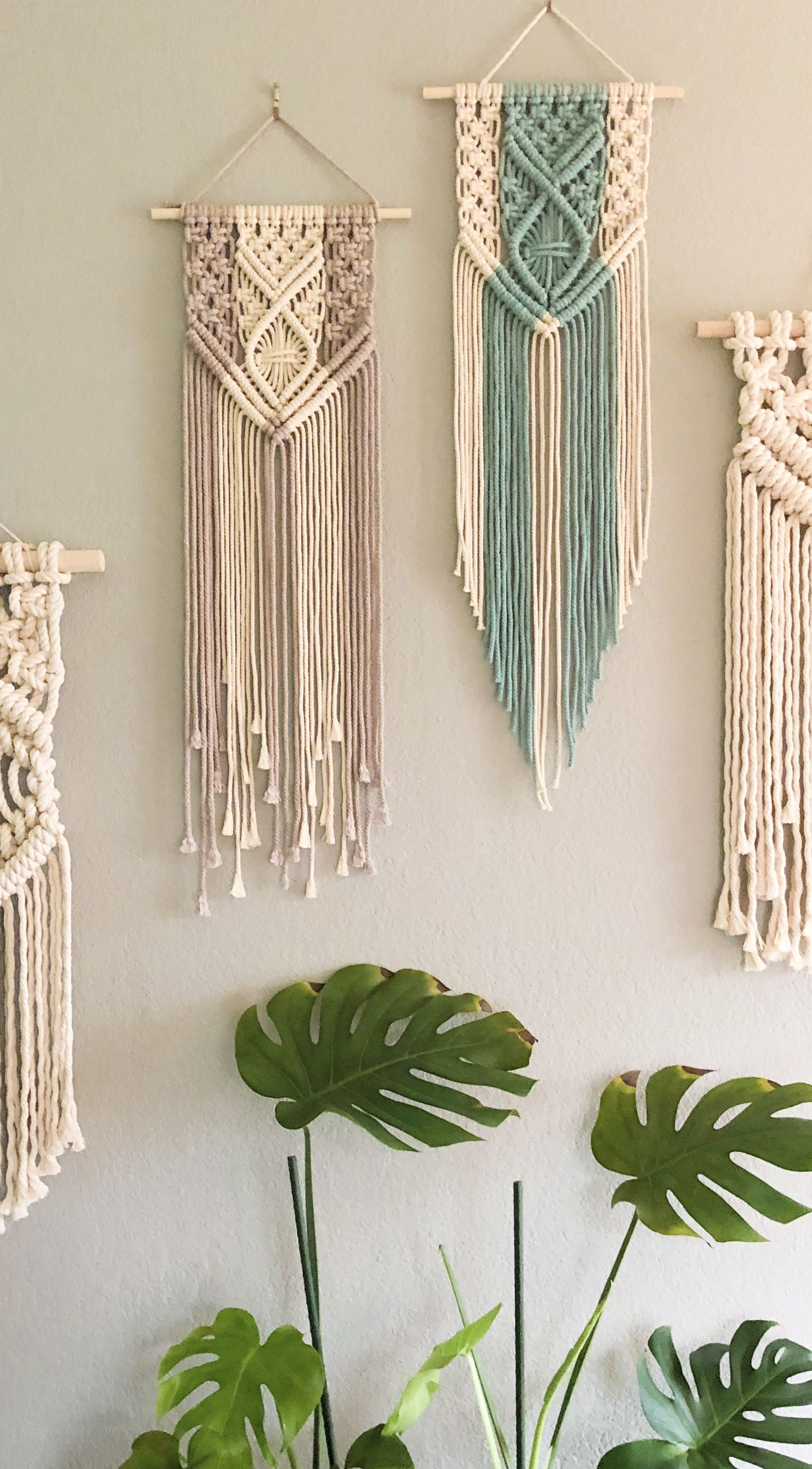 Photo of Teal & Natural neben Nude & Natural Macrame Wandbe