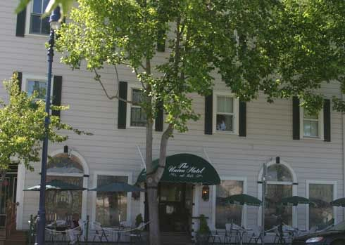 Union Hotel Benicia California It Is Reported That In The 1800s A Young