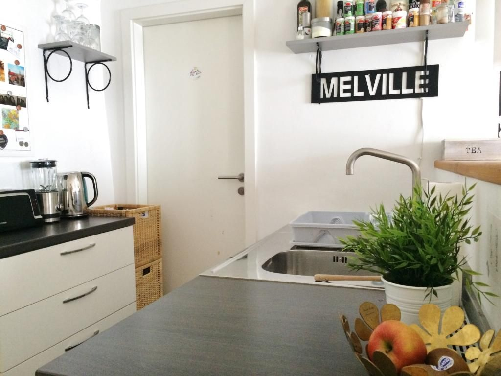 Kleine, aber gemütliche Küche in einer Altstadtwohnung mit