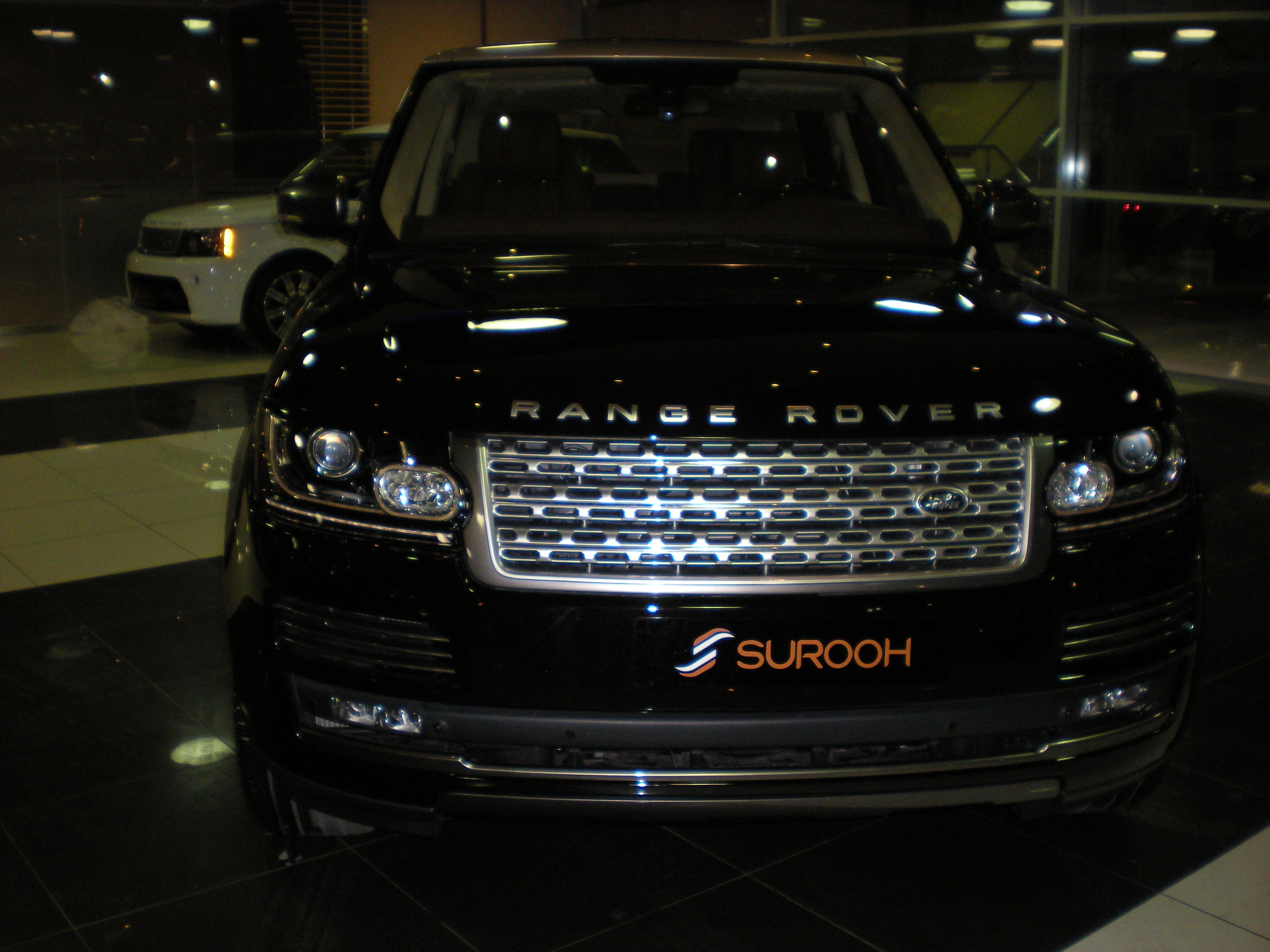 Range Rover Vogue 2014 High Resolution Car Wallpapers