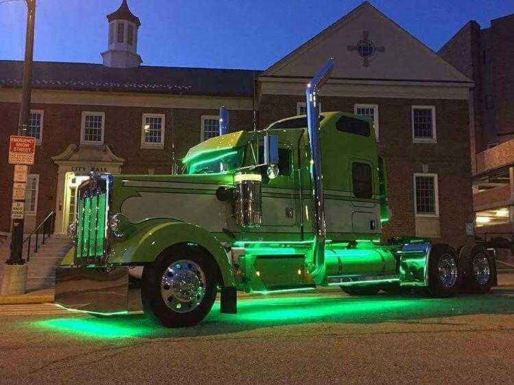Kenworth Custom W900l Light Show Trucks Kenworth Big Rig Trucks