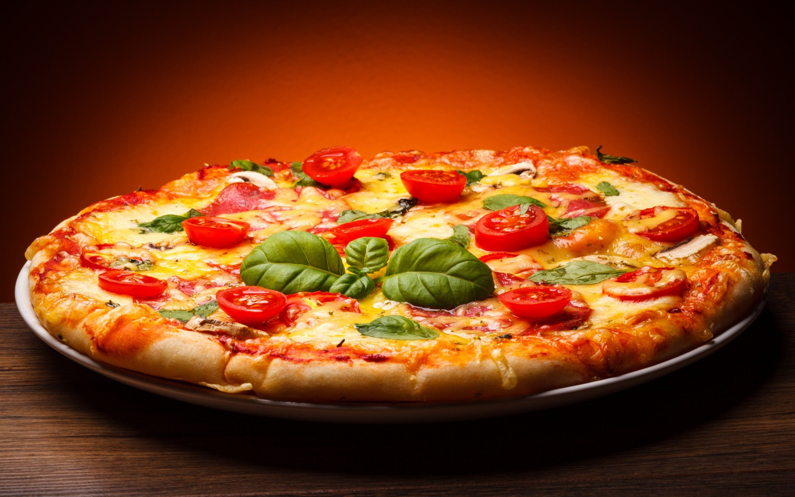 Download Pizza Wallpapers High Quality For Widescreen Wallpaper Subwallpaper In 2020 Delicious Pizza Food Good Pizza