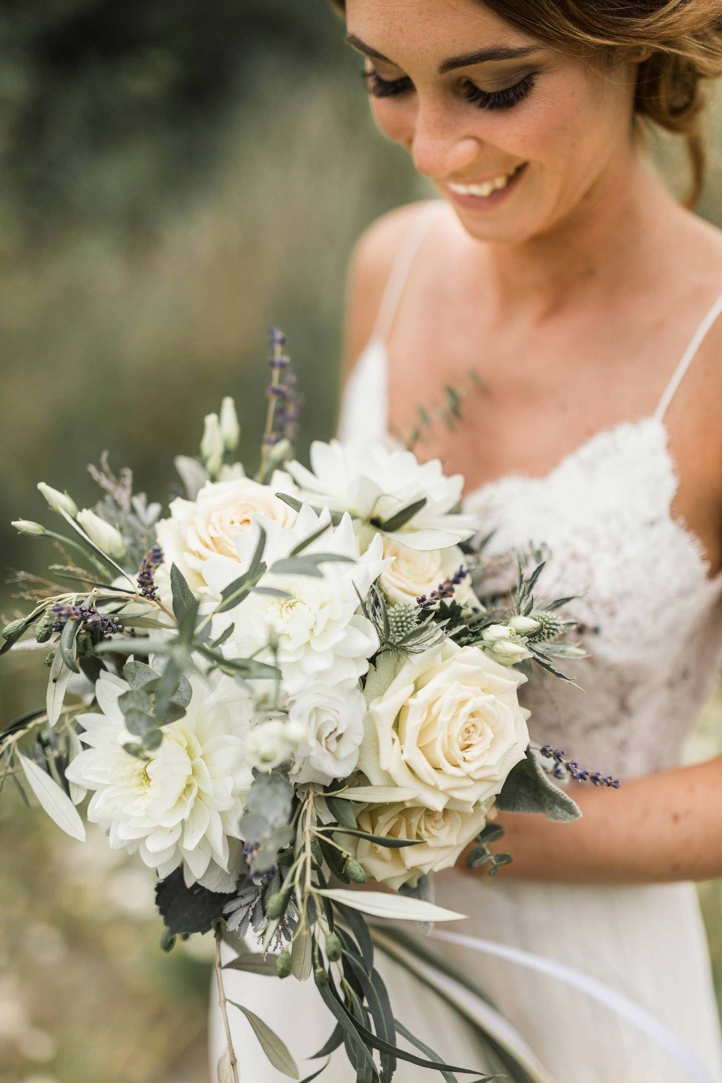 Rebecca & Andreas: Boho-Hochzeit unter freiem Himmel - Hochzeitswahn - Sei inspiriert #fallbridalbouquets