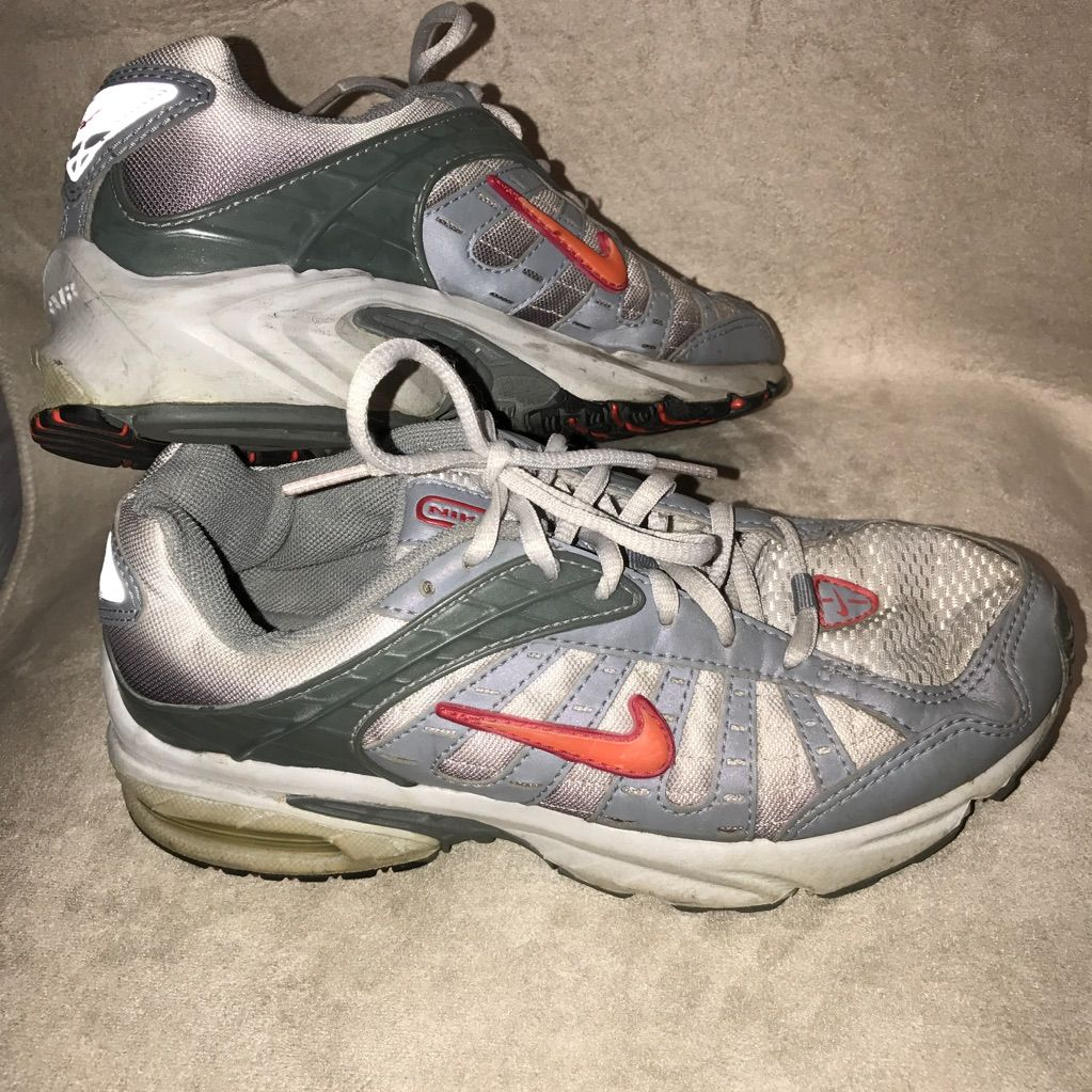 Nike Shoes Nike Air Brs 1000 Silver & Grey W Pinkorange