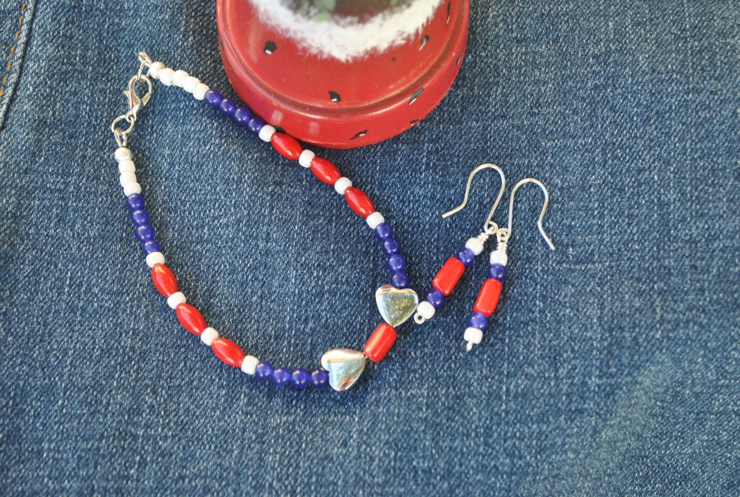 Red white blue bracelet earring set; patriotic bracelet; July 4th jewelry; summer jewelry; Independence Day; team colors; flag colors by Rocks2Gems2Wire on Etsy