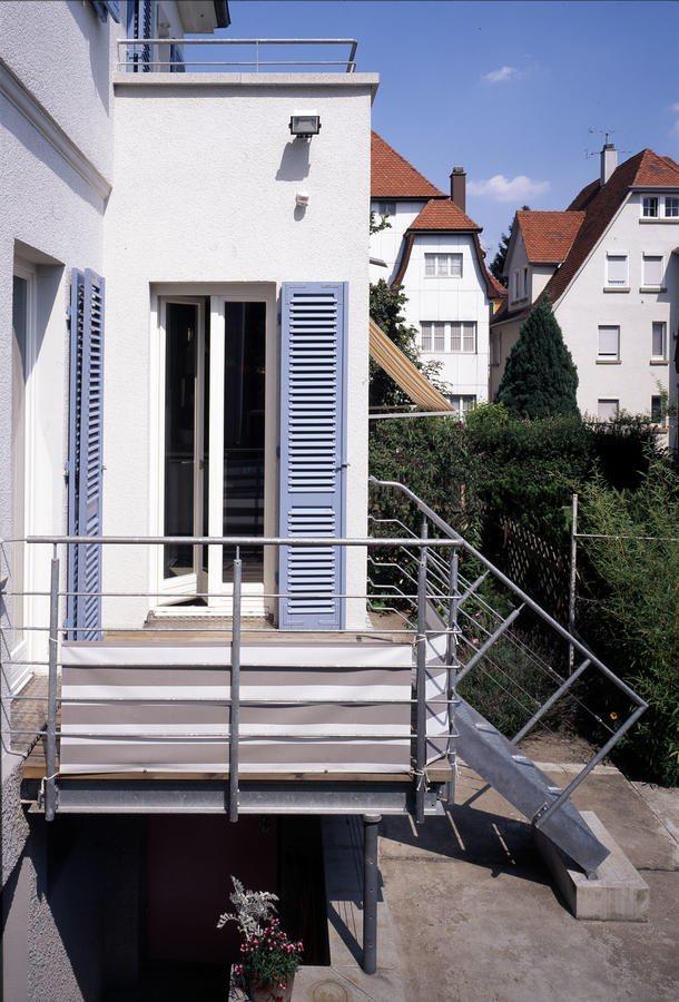 Charmant Verwandelt Jugendstilbau Wird Zum Hingucker Das Haus Haus Fensterladen Fassade Haus Haus