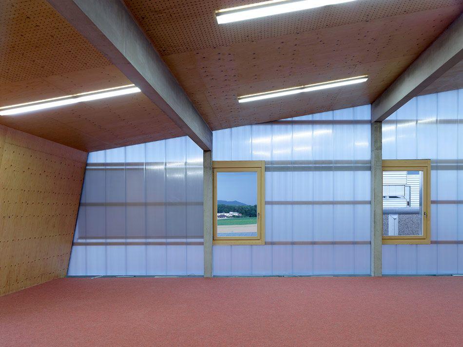 Bunq Architectes Clads Multipurpose Building In Polycarbonate Architecture Building Architecture Design