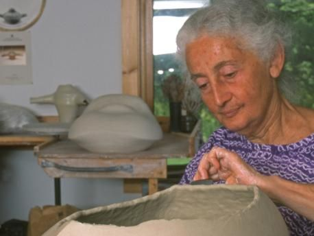 A Chosen Path The Ceramic Art Of Karen Karnes Ceramic Art Ceramic Artists Ceramics