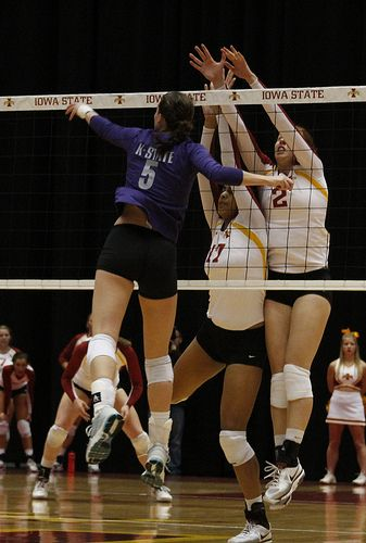 Middle Blocker Volleyball Position Offensive And Defensive Duties Volleyball Positions Volleyball Tips Volleyball Uniforms