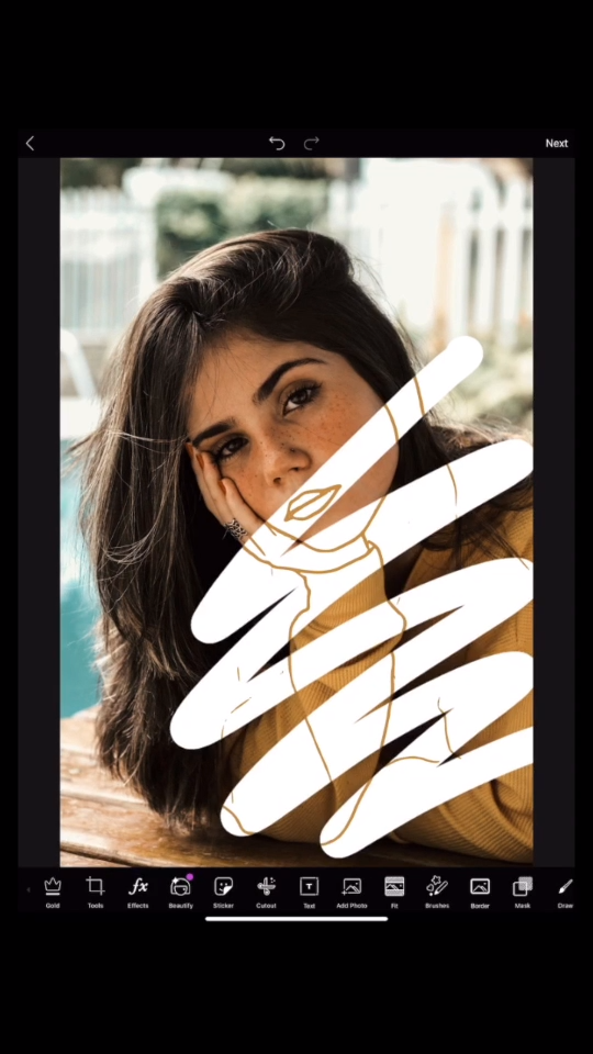 Good news! The SKTCH2 Effect does 99.99% of the work for you! All you have to do is zigzag it across your photo in a single swipe 👆📲 Click through to watch the full-length tutorial NOW. It was filmed in real time so you can easily follow along 😄👍