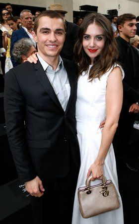Alison brie dating who