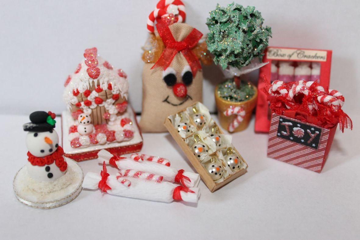 Christmas scene inspiration as featured in the Jan14 Dolls House and Miniature Scene. http://www.dollshousemag.co.uk