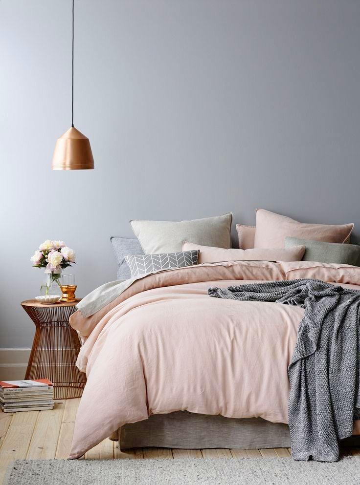 Voici un petit guide pratique comprenant 10 conseils à suivre afin déviter tout faux pas en décoration de chambre