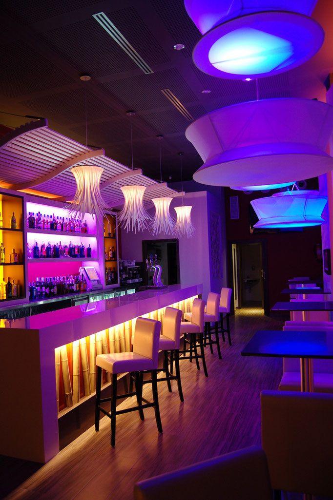 Resultado de imagen de decoracion restaurantes modernos for Casa moderna restaurante salta