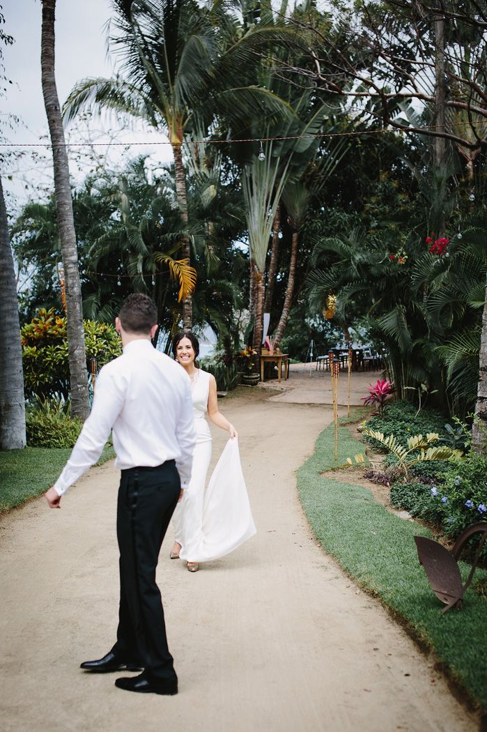 First look bride and groom wedding in Mexico | fabmood.com
