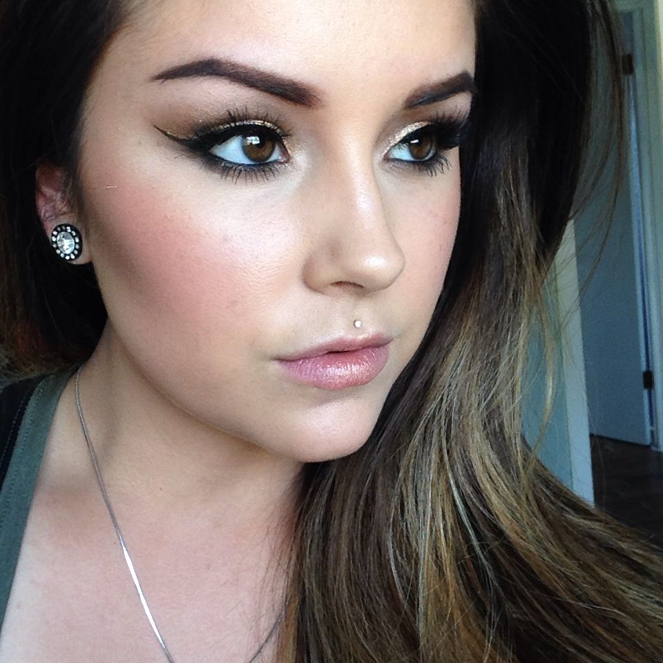 Will be uploading this Glowy skin bronzy eye make up look