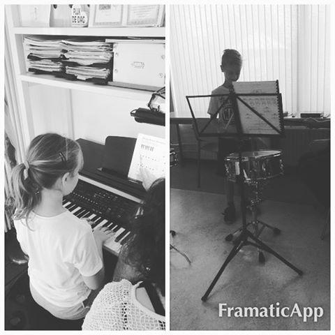 We hebben al bijna een band bij elkaar :heart_eyes: #piano #drummen #muziek #watwordenzegroot #family