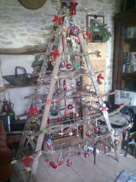 ghetto-christmas-decorations-22   kinda ratchet but cute xmas trees ...