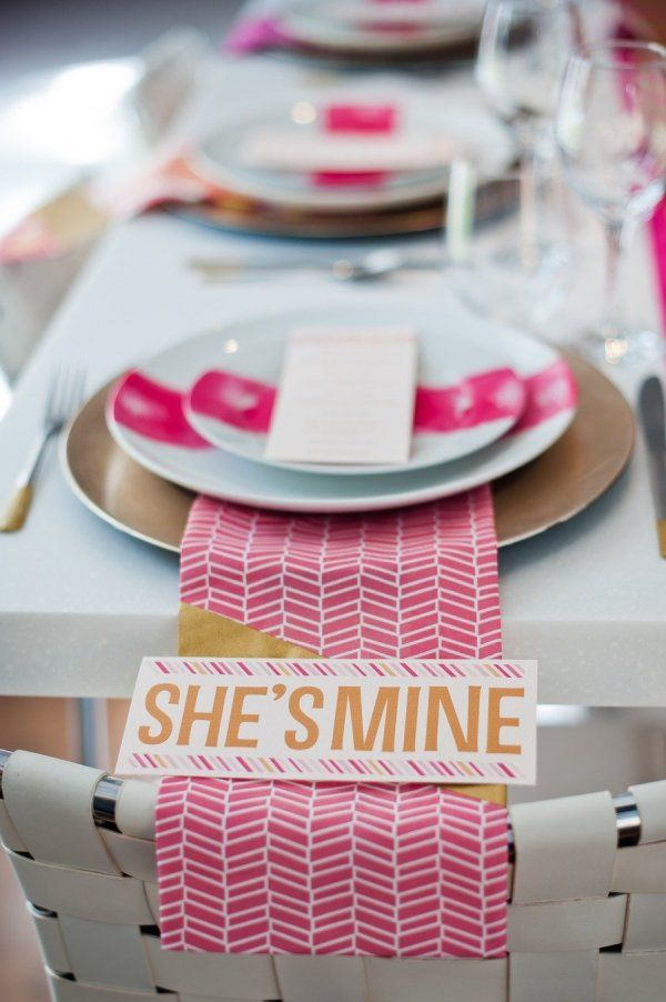 a modern tablescape in our favorite hue  Photography by http://blogbyrachel.com, Concept by http://modernjanedesign.blogspot.com
