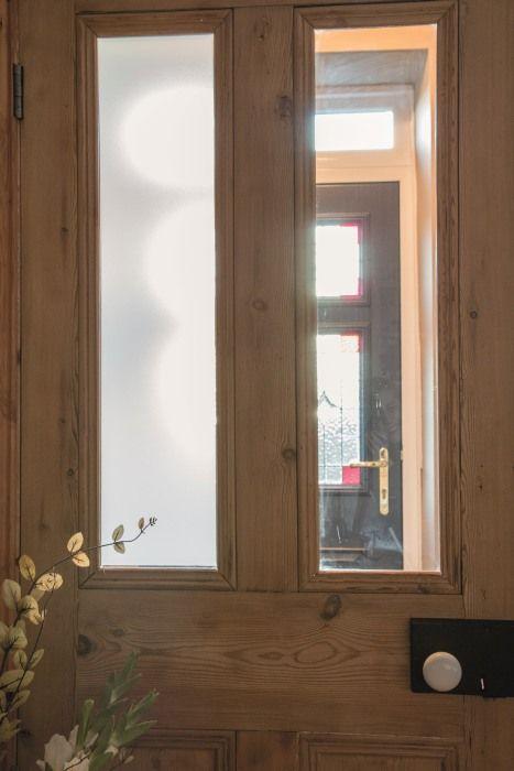 Sichtschutzfolie Fur Die Eingangstur So Mobelst Du Alte Glasturen