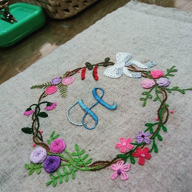 #Embroidery#stitch#needlework#stitch book #프랑스자수#일산프랑스자수#자수#자수타그램#스티치 북 #E.J 님의 스티치 북 표지뒷면 ~💕