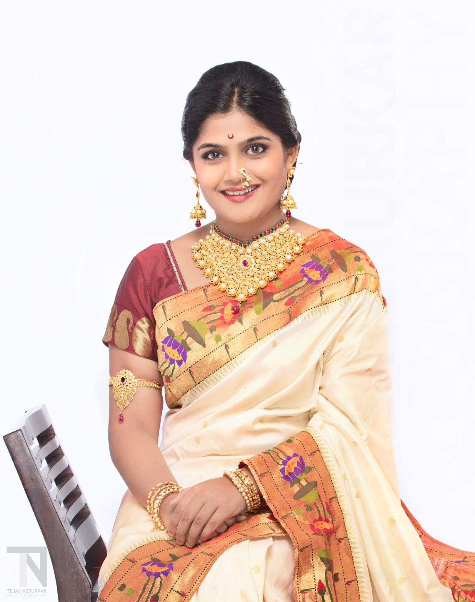 navratri-special-2016-zee-marathi-actress-day-10-isha-keskar