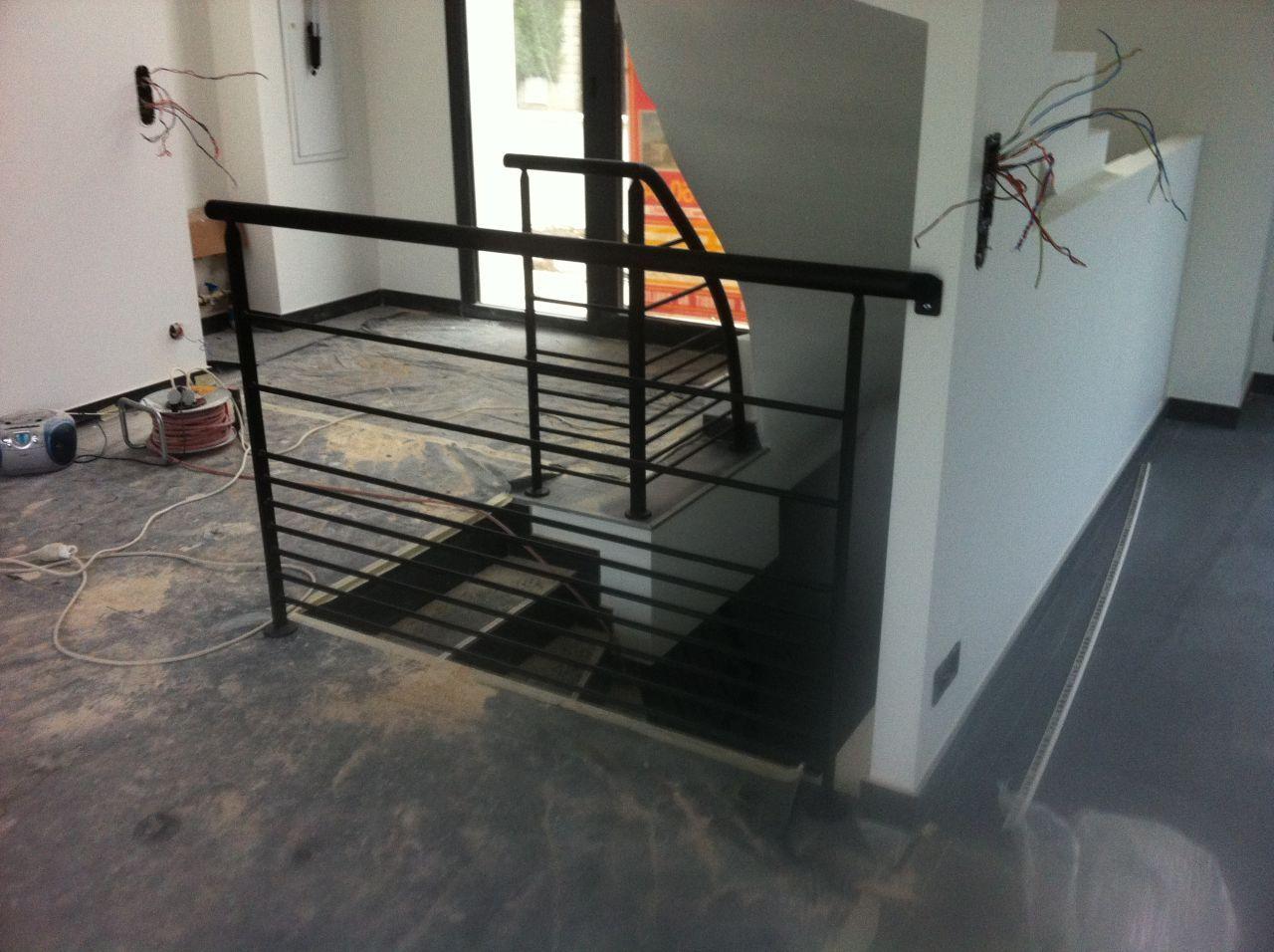 Garde corps escalier escalier beton pinterest garde for Garde corps escalier
