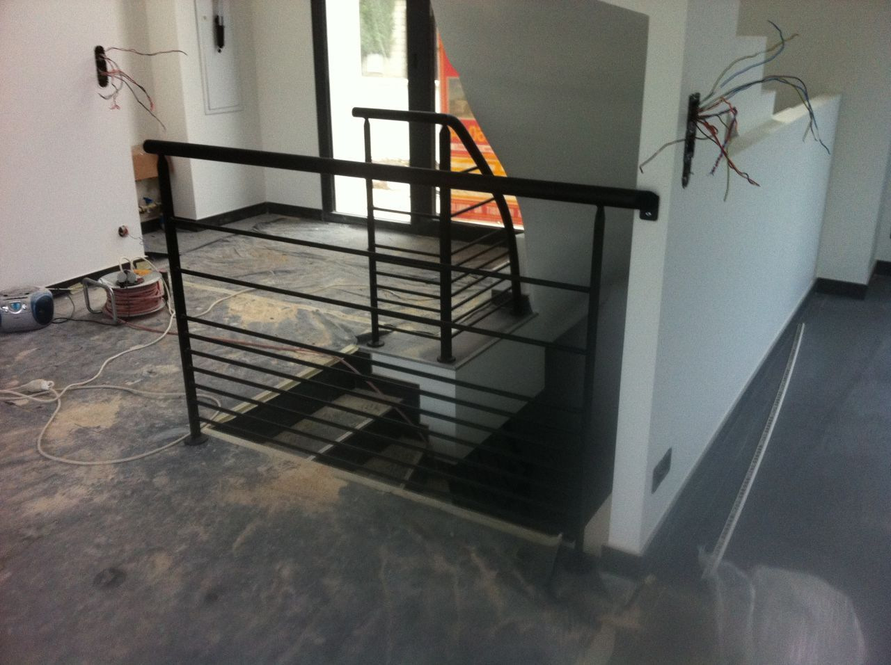 garde corps escalier escalier beton pinterest garde. Black Bedroom Furniture Sets. Home Design Ideas