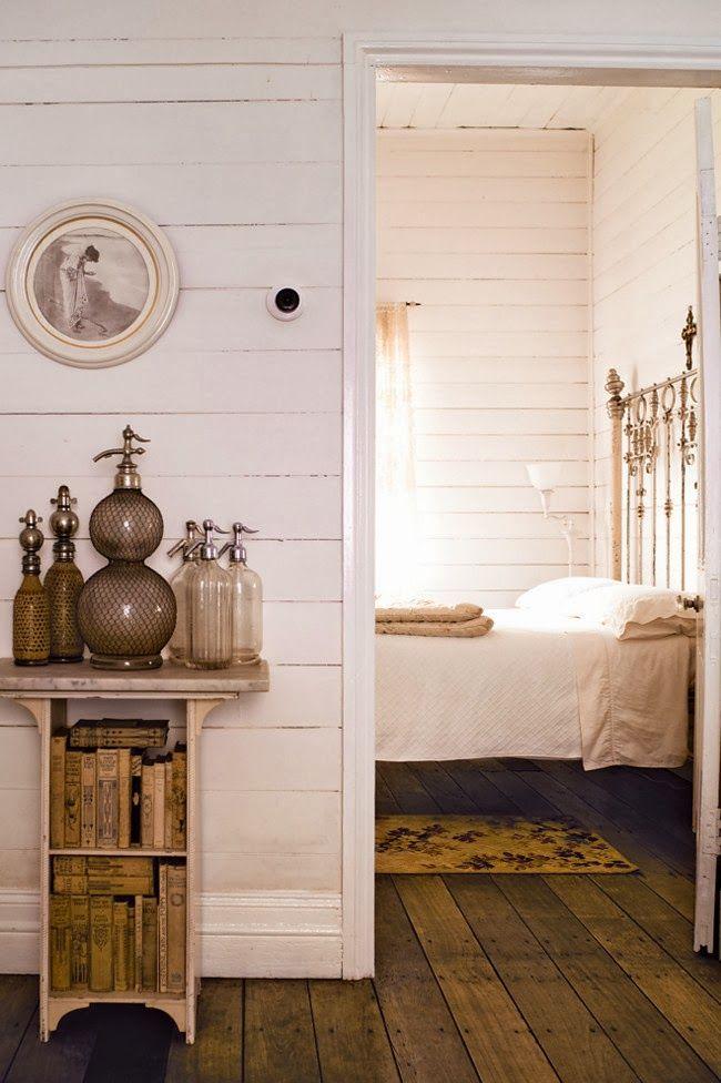 Home Shabby HomeWhite shabby cottage