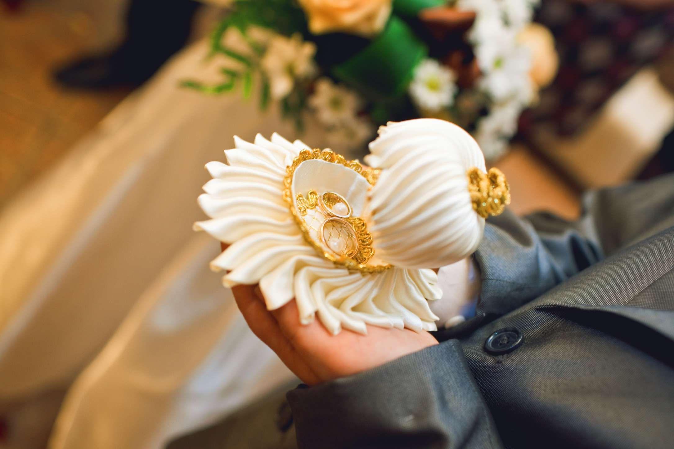 Подушки для колец на свадьбу: фото подушечек для колец ...
