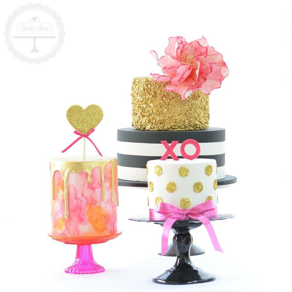 The watercolour sugar flower on this Kate Spade inspired cake trio ...
