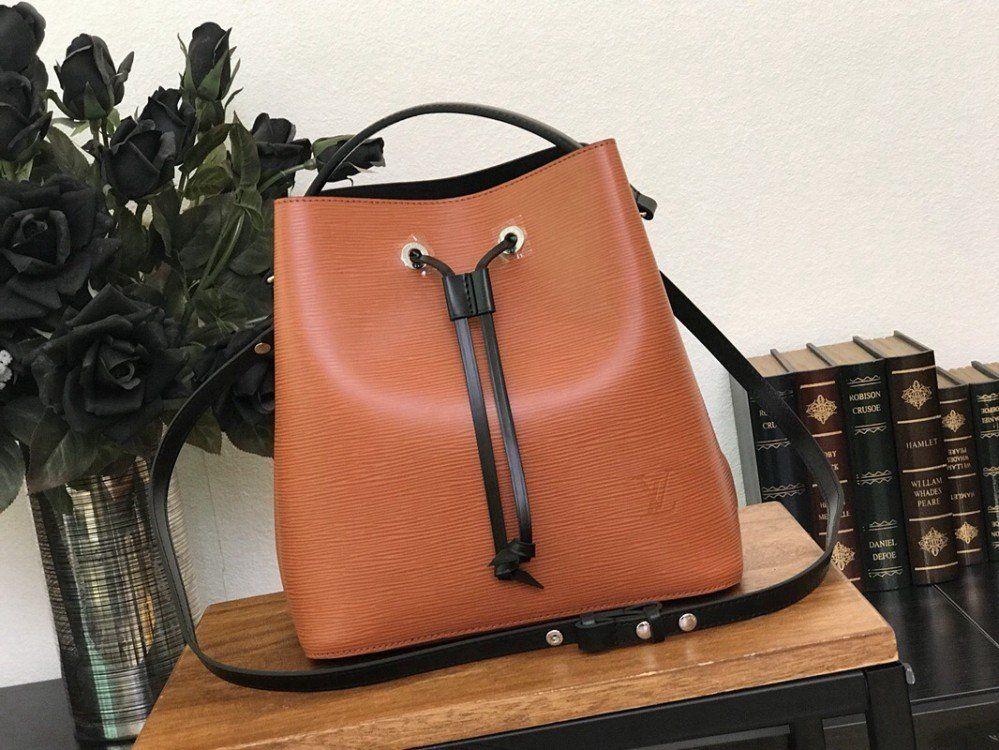 08565580f035 Louis Vuitton Neonoe EPI Leather Bag M54368