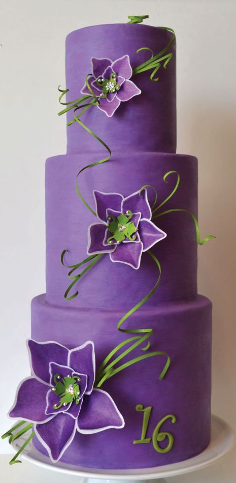Love this purple color! 2014 color of the year cake